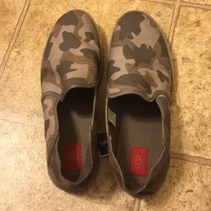 NWT sz 15 men's UGG Cooke Camo loafers.